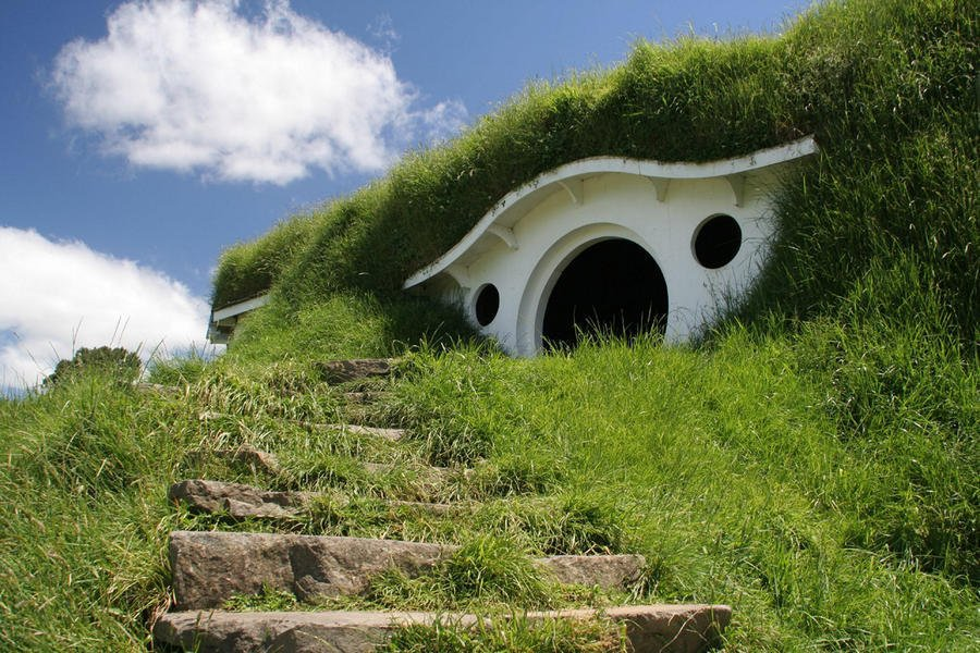 Hobbiton - Features, How to Find, Photos, Design Ideas