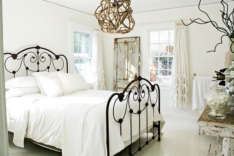American Country House in the Style of Bohemian Shabby Chic