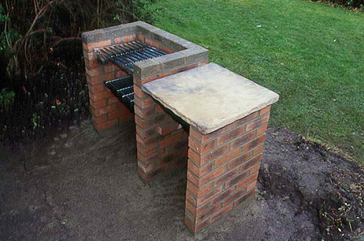 Grills and a Barbecue for Villas with Their Hands