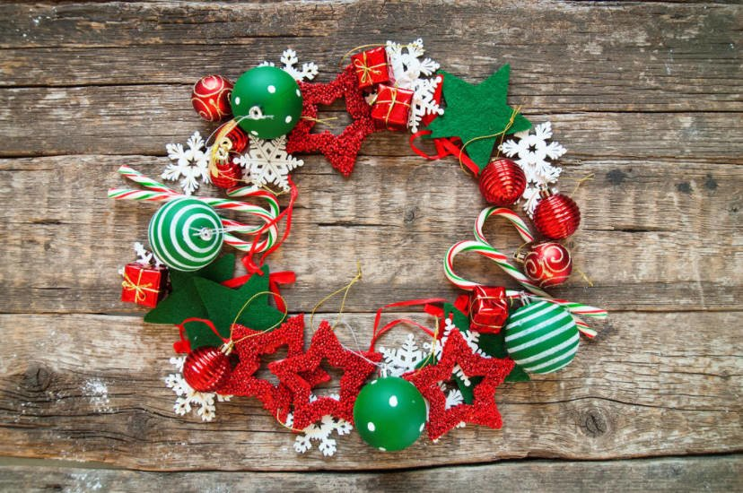 Christmas Wreaths, Garlands and Other Decorations for Christmas Interior
