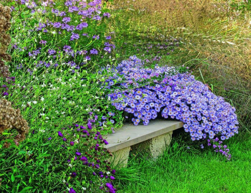 In Your Garden Begins the Age of Stone: Choose Decorative Benches