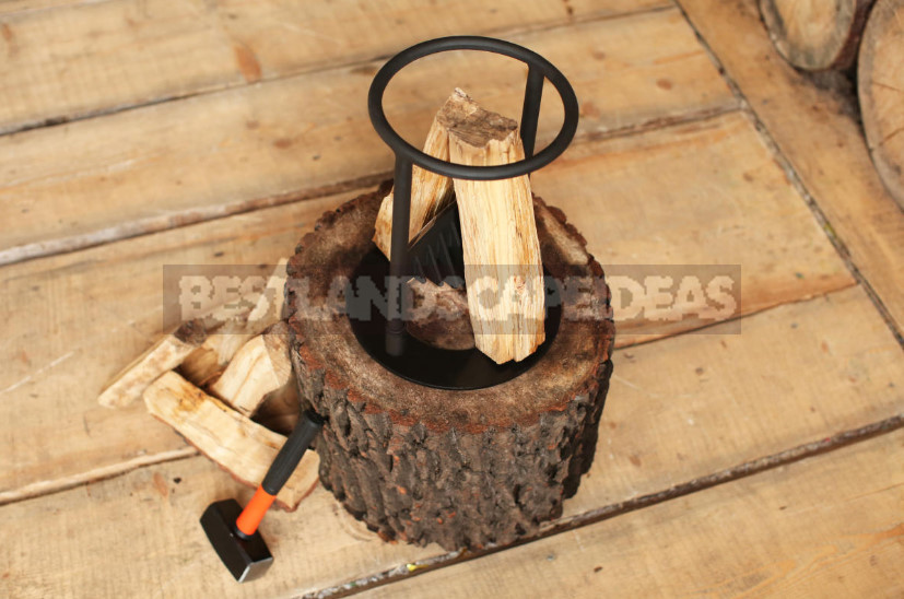 Manual Log Splitter: Wood in Chips for a Couple of Minutes
