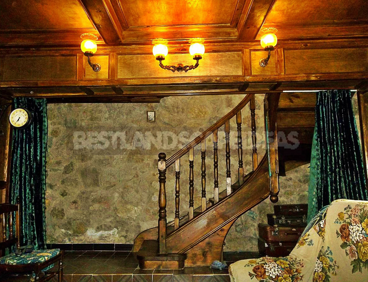 1 4 - How to Design a Staircase in a Country House