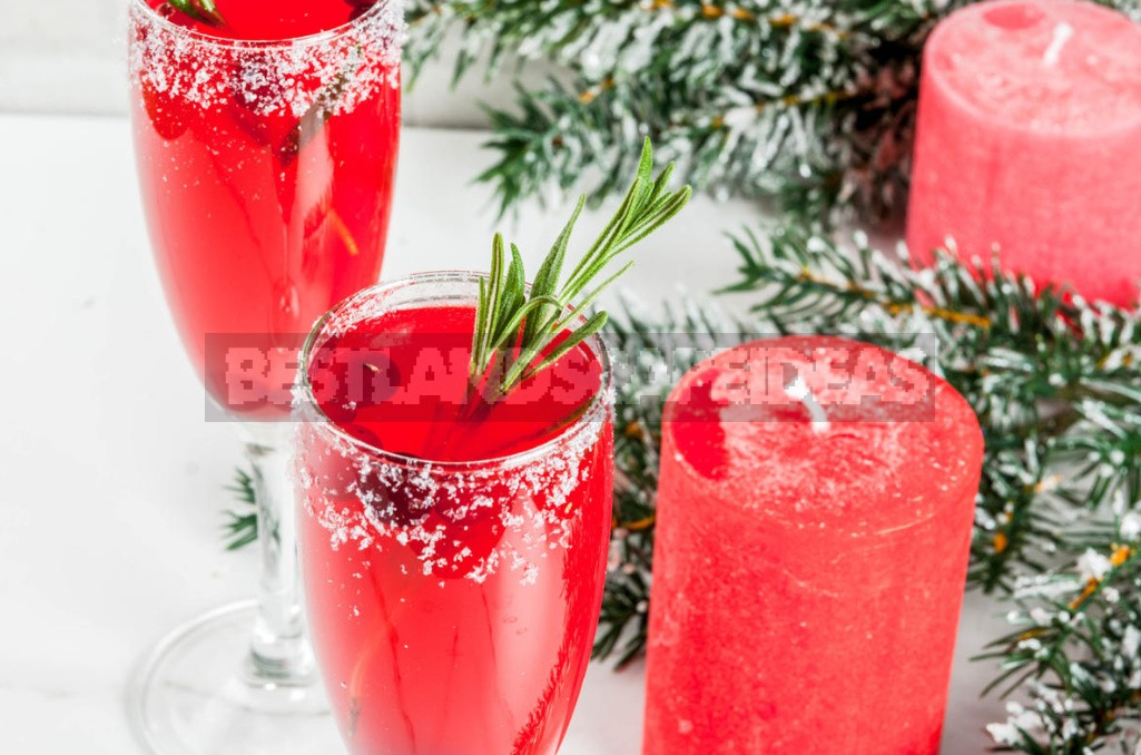 Christmas Cocktails With Champagne. Surprise Your Guests!
