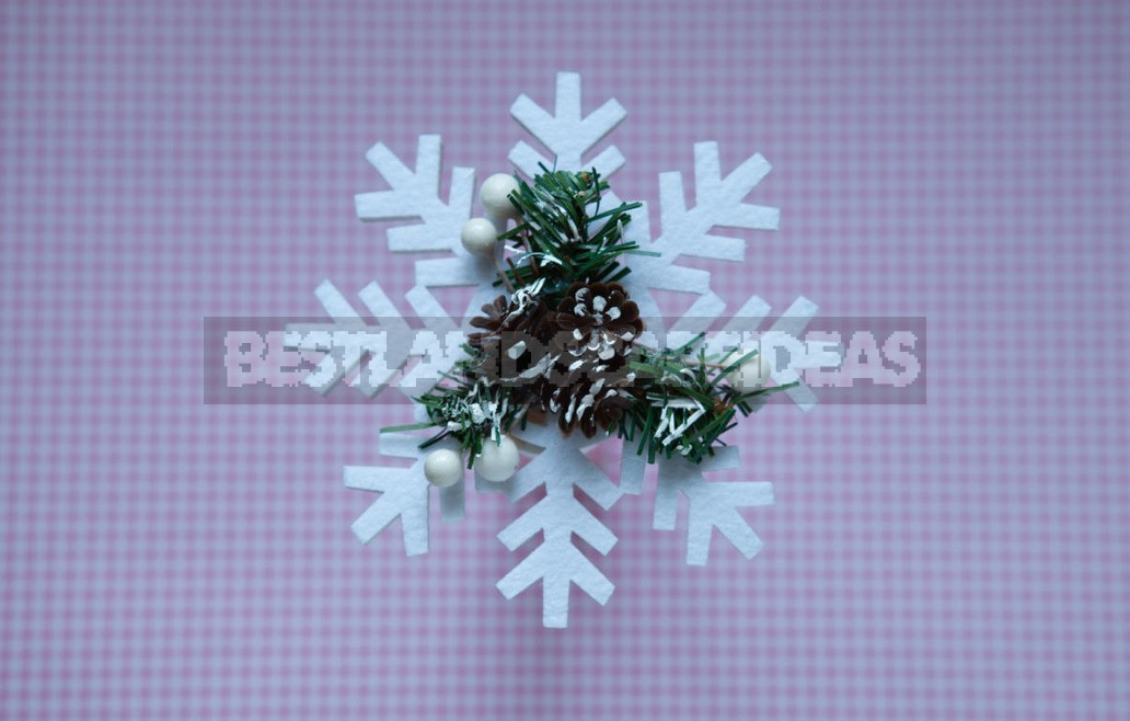 24 Great Ideas For Making Snowflakes
