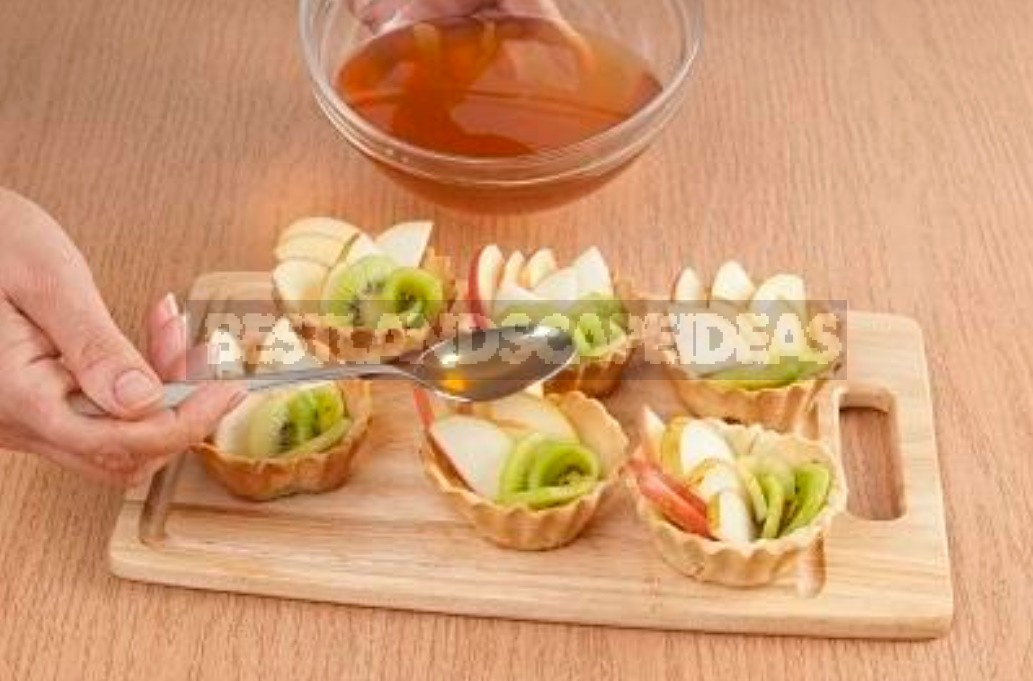 An Unusual Shortbread Tarts With Fruits