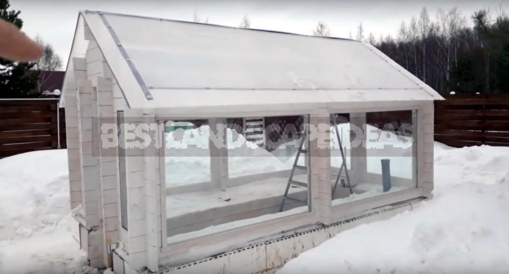 How To Build An Autonomous Winter Greenhouse