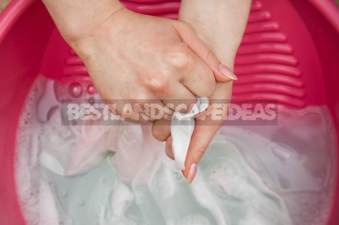 How To Remove Stains By Improvised Means: We Determine The Working Methods