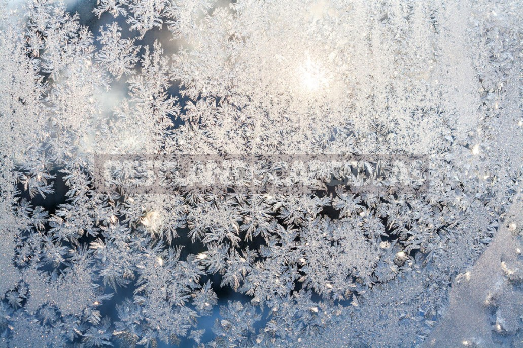 How To Decorate Windows For The New Year. Holiday Decoration Ideas.